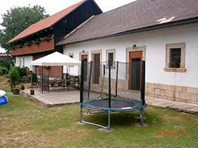 Ferienhaus Vesec - Trampolin